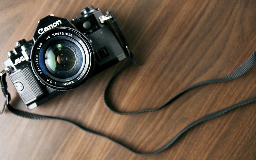 Best DSLR Cameras Under $2000 For Enthusiasts