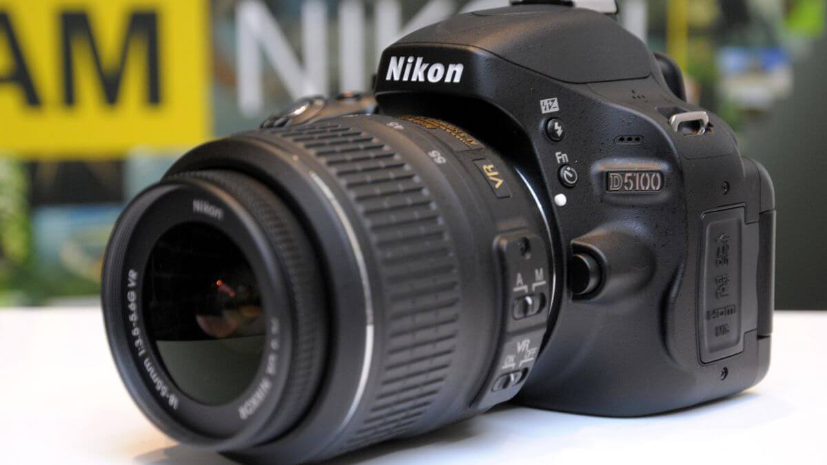 Best Zoom Lenses For Nikon D5100 (Ultimate Buying Guide)